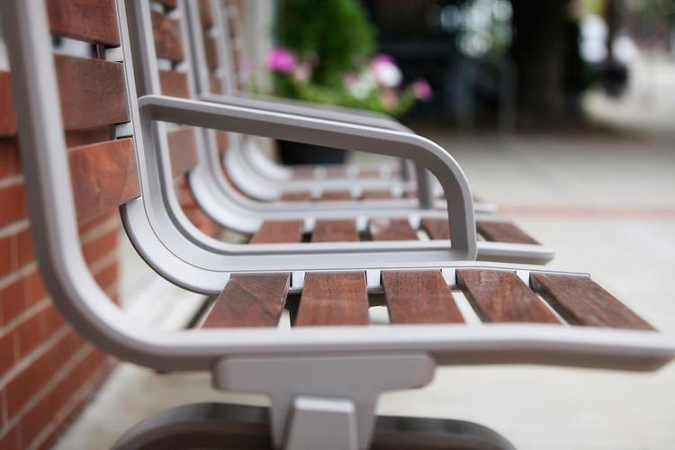 Tangent Rail Seating