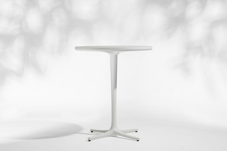 Avivo Pedestal Table