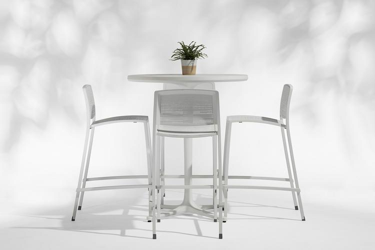Avivo Pedestal Table