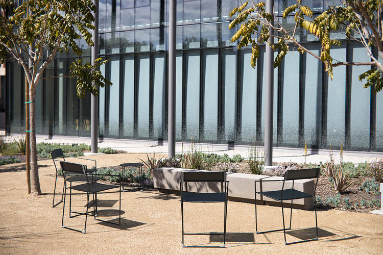 Linia Chairs and Tables
