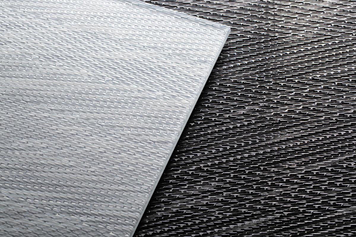 CastGlass Intervals Levels glass in Coda + Switch design shown in White & Black