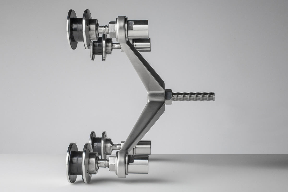 Spider Fittings | Architectural | Forms+Surfaces