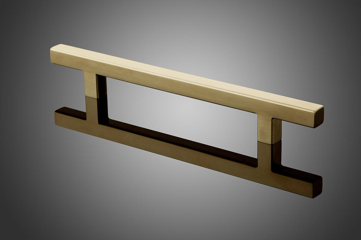 "Rectangular model HDREC1014 shown in Satin Brass (US4). Grip cross section: 1"" x"