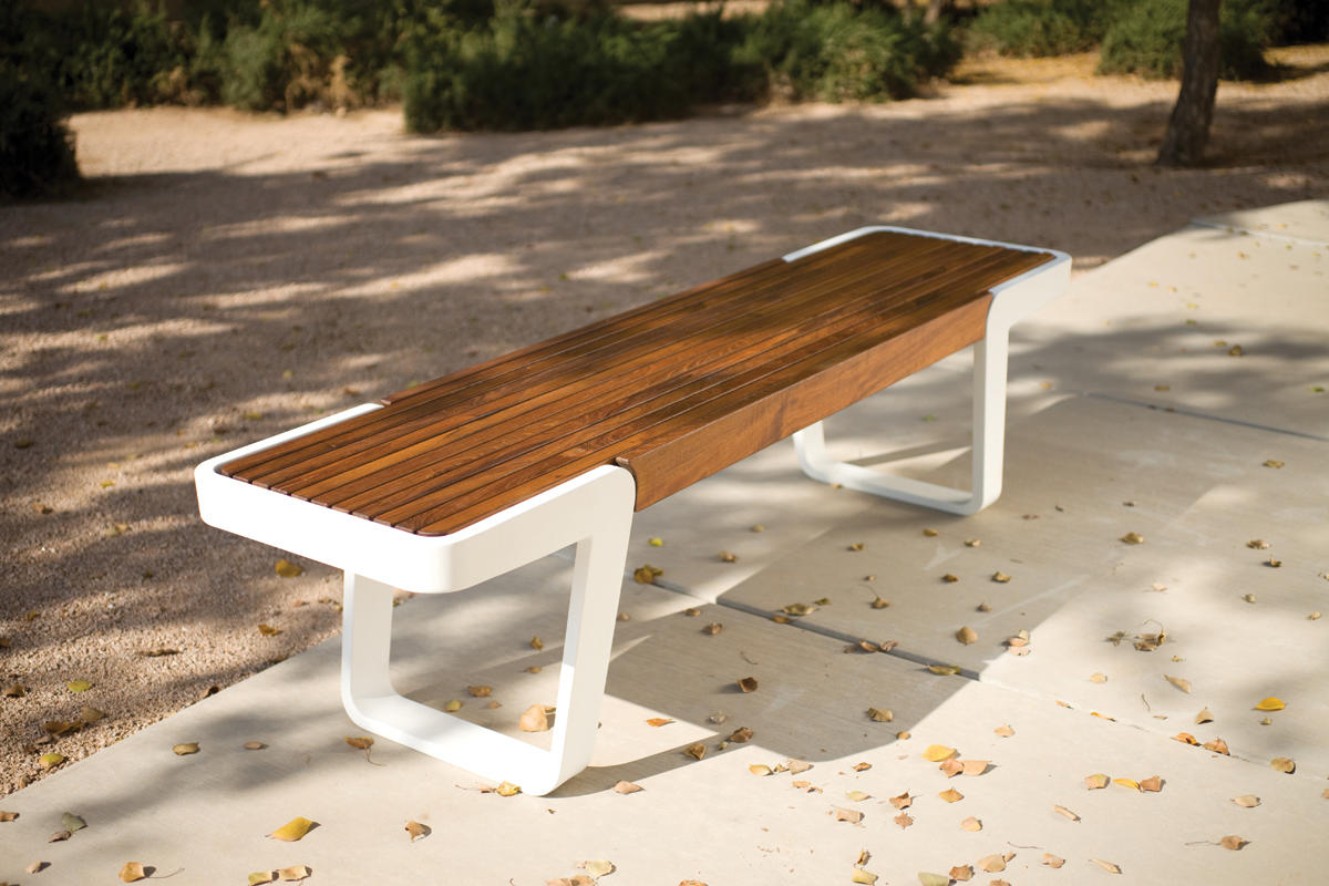 Circuit Bench | Outdoor | Forms+Surfaces