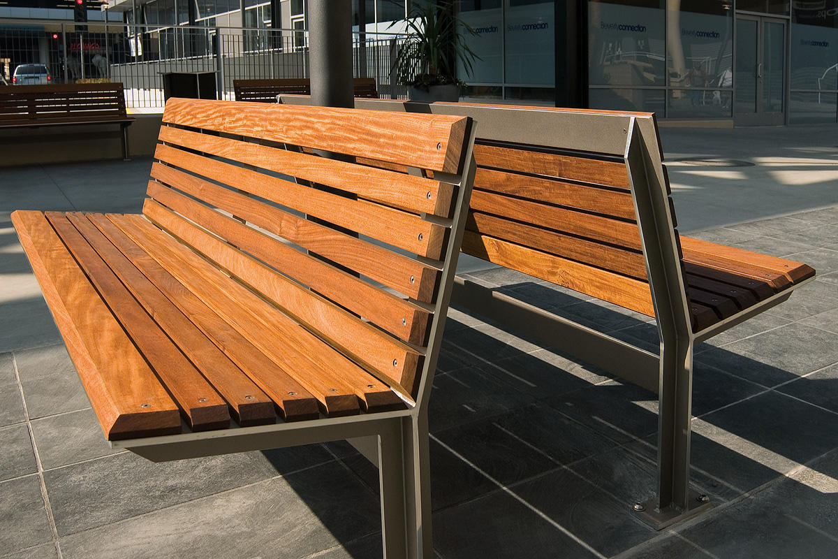 Knight bench outdoor forms surfaces Aluminum benches