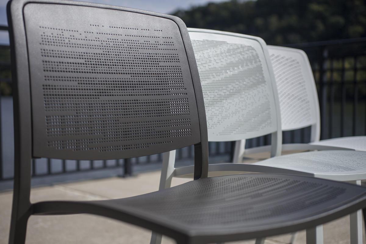 Avivo Chairs