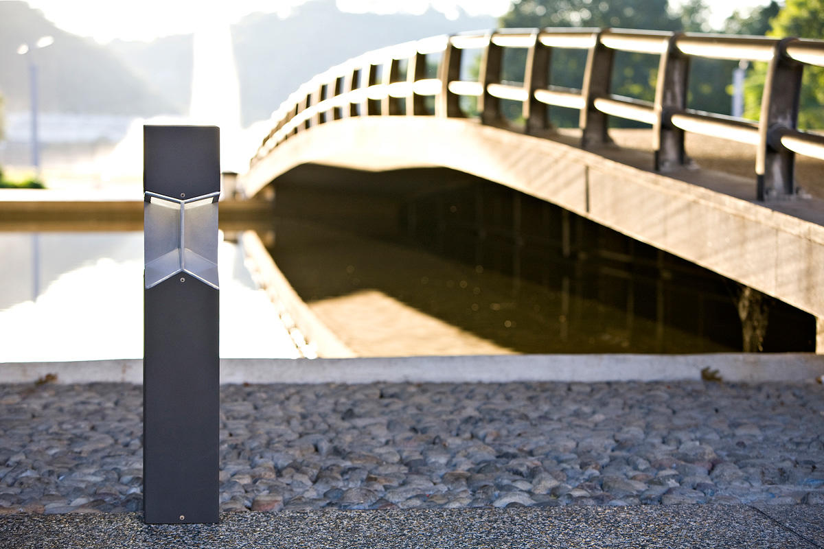 Knight Bollard shown with Black Texture powdercoat