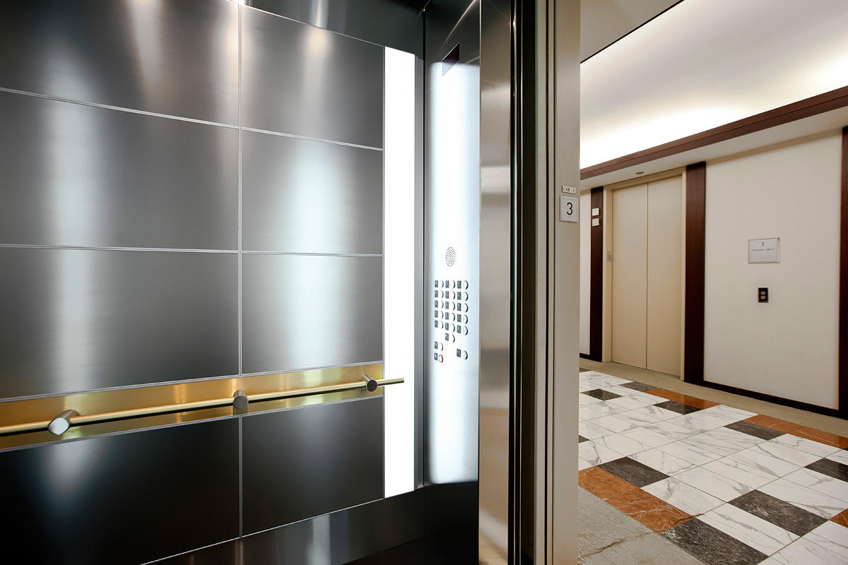 LEVELe-107 Elevator Interior with customized panel layout