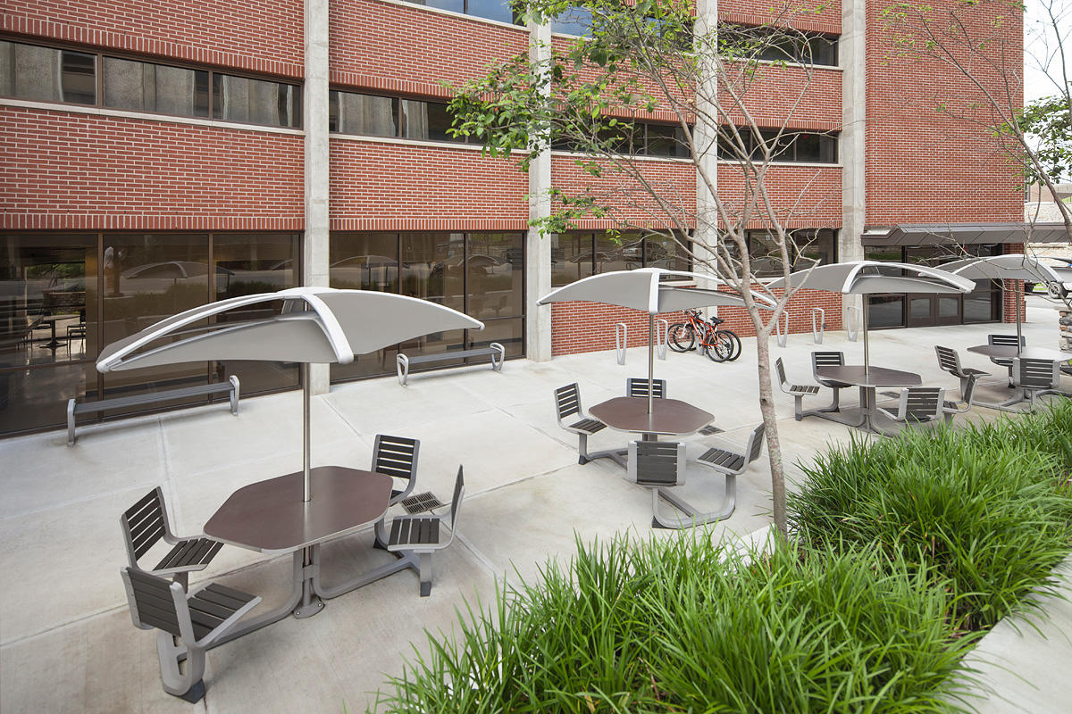 Soleris Sunshades shown with Slate Texture powdercoated panels