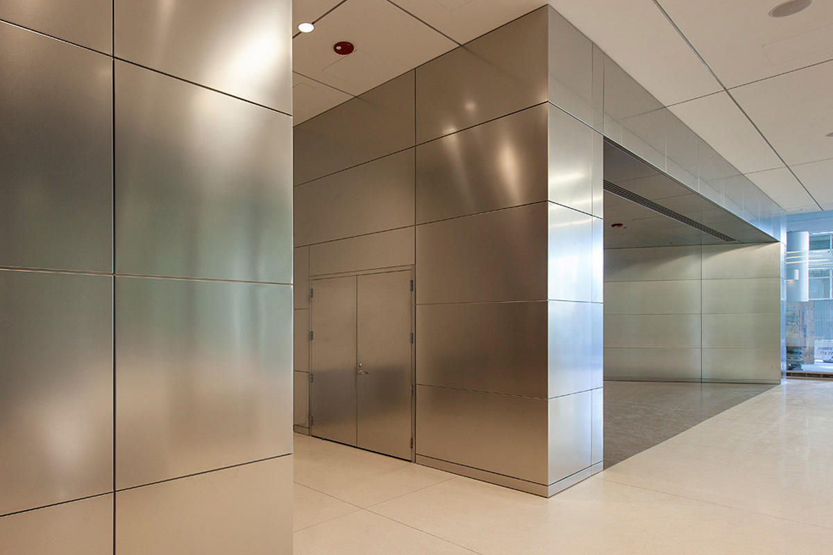 Stainless Steel Wall Cladding : Center for care and discovery university of chicago
