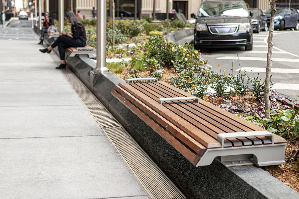 Knight Benches shown in backless configuration with Aluminum Texture powdercoat