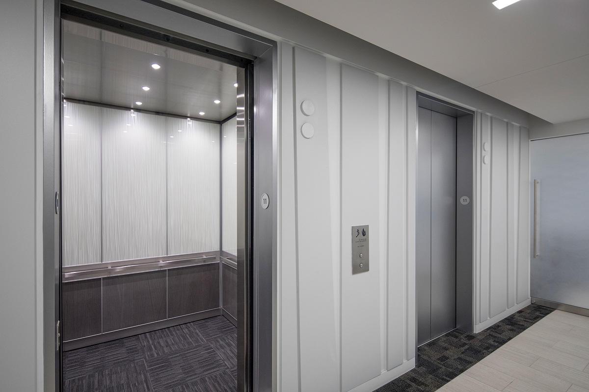 LEVELe-105 Elevator Interior with Capture panels