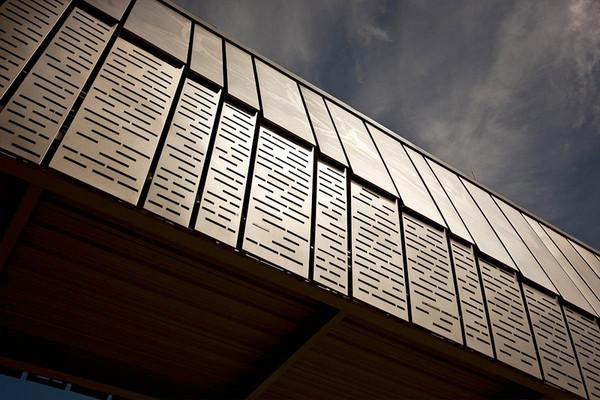 Eco Etch Brings Houston S Ballet Bridge To Life Forms Surfaces