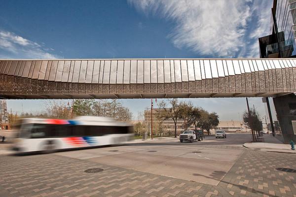 Eco Etch Brings Houston S Ballet Bridge To Life Forms