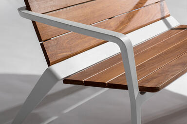 Detail of Vaya bench shown with White Texture powdercoated frame and FSC® 100%