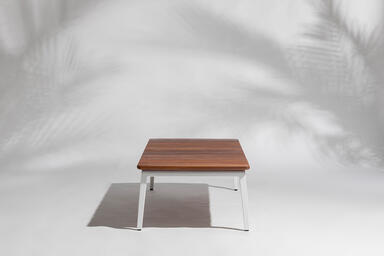 Vaya coffee table shown with White Texture powdercoated frame and FSC® 100%