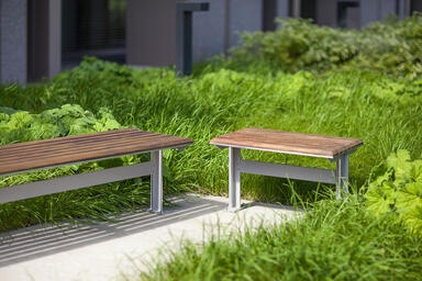 Knight Benches shown in backless configuration, Aluminum Texture powdercoated