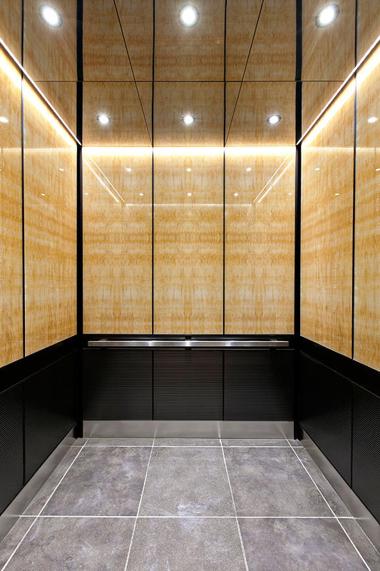 Levele 105 Elevator Interior With Upper Panels In