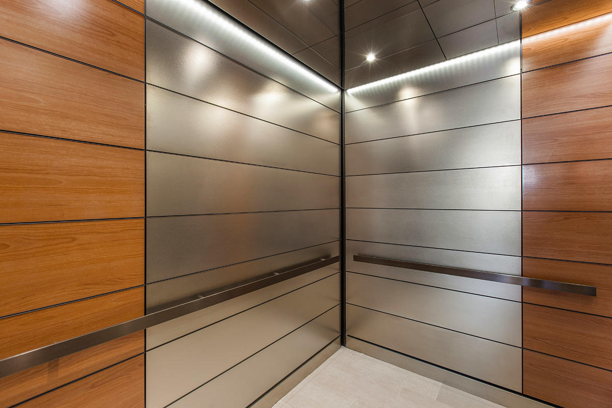 Levele 103 Elevator Interior With Main Panels In Fused